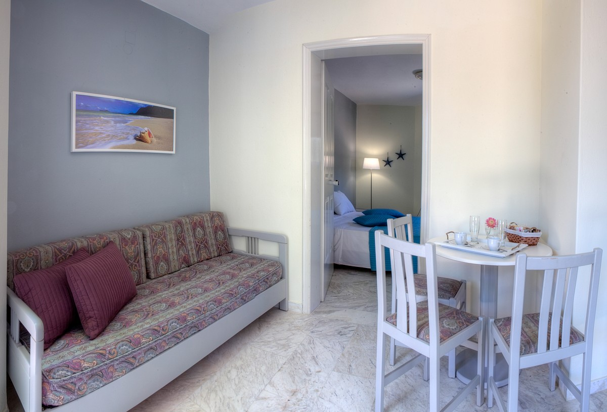 Apartment with sea view for 2-3 persons